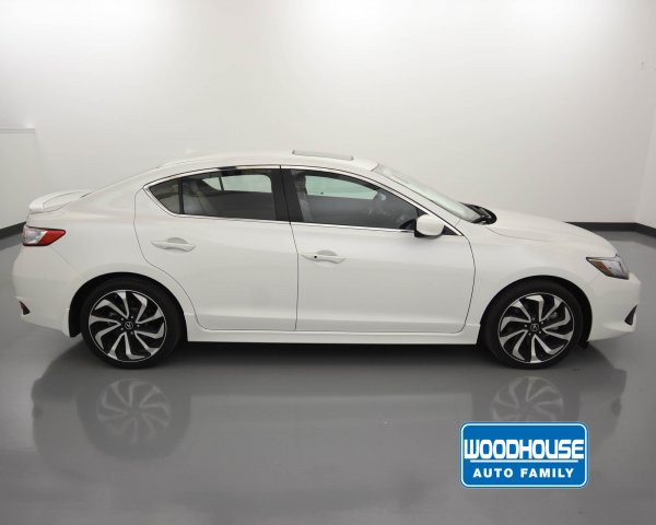 Pre-Owned 2018 Acura ILX Special Edition