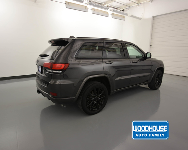 Certified Pre-Owned 2017 Jeep Grand Cherokee Laredo Altitude