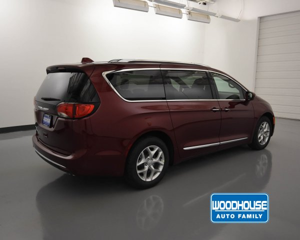 New 2019 CHRYSLER Pacifica Touring L 35th Anniversary