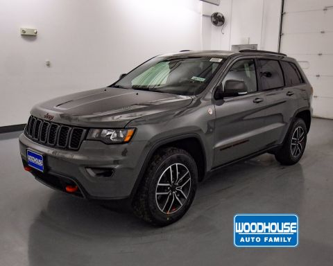 New 2020 JEEP Grand Cherokee Trailhawk With Navigation