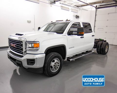 Pre-Owned 2017 GMC Sierra 3500HD WT CHASSIS DRW