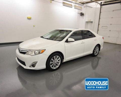 Pre-Owned 2014 Toyota CAMRY FWD XLE